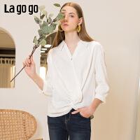 【开学季单件五折叠300-30优惠券】Lagogo2019年夏新款衬衫白色雪纺v领洋气设计感上衣女IASS423A17