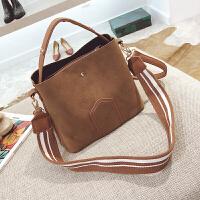 包包女手提包大包包单肩斜挎包潮水桶包