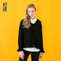 初语 2017秋装新款 V领镂空微喇袖口套头黑色长袖毛衣女