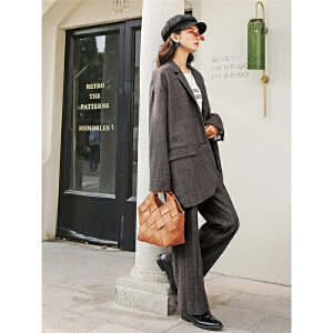 七格格毛呢小外套短款女秋新款韩版学生宽松bf冬装季格子西装