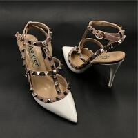 v家铆钉尖头高跟鞋欧洲站新款包头绑带漆皮柳丁凉鞋女细跟单鞋 夏