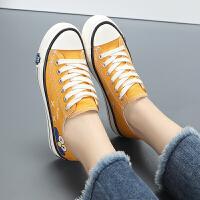 12大童小黄鞋少女卡通帆布鞋子13百搭板鞋14初中学生运动鞋15岁