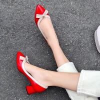 尖头单鞋女2019新款百搭低跟工作鞋蝴蝶结小皮鞋金属扣件浅口伴娘鞋