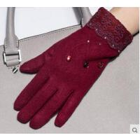 韩版新款食指绣花触摸屏羊毛手套 女士蕾丝防风防寒骑车手套保暖手套