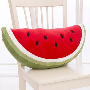 维莱 可爱卡通西瓜毛绒抱枕 水果靠枕创意毛绒玩具 女生日礼物 月牙形 西瓜抱枕
