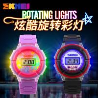 时刻美男表潮流时尚女表个性三色彩灯电子表男女学生儿童手表腕表