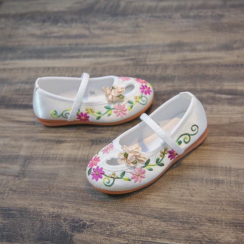 春秋儿童老北京布鞋绣花鞋民族风学生舞蹈表演鞋
