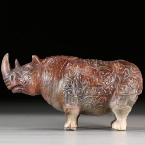 寿山老性芙蓉石  精雕奇特犀牛摆件 牛气冲天  p3797