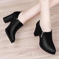 中年女鞋子春秋季新款女士皮鞋妈妈鞋百搭中跟高跟鞋粗跟单鞋