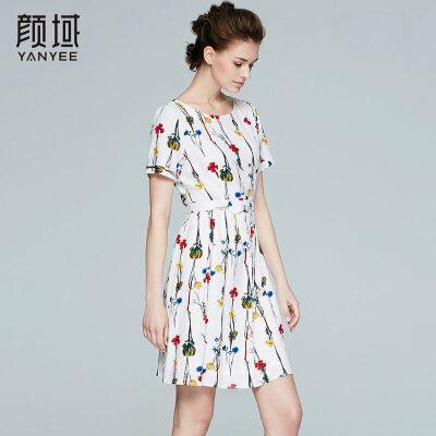 颜域品牌女装2017夏季新款修身显瘦气质圆领短袖连衣裙裙子女夏舒适面料 甜美斜纹印花