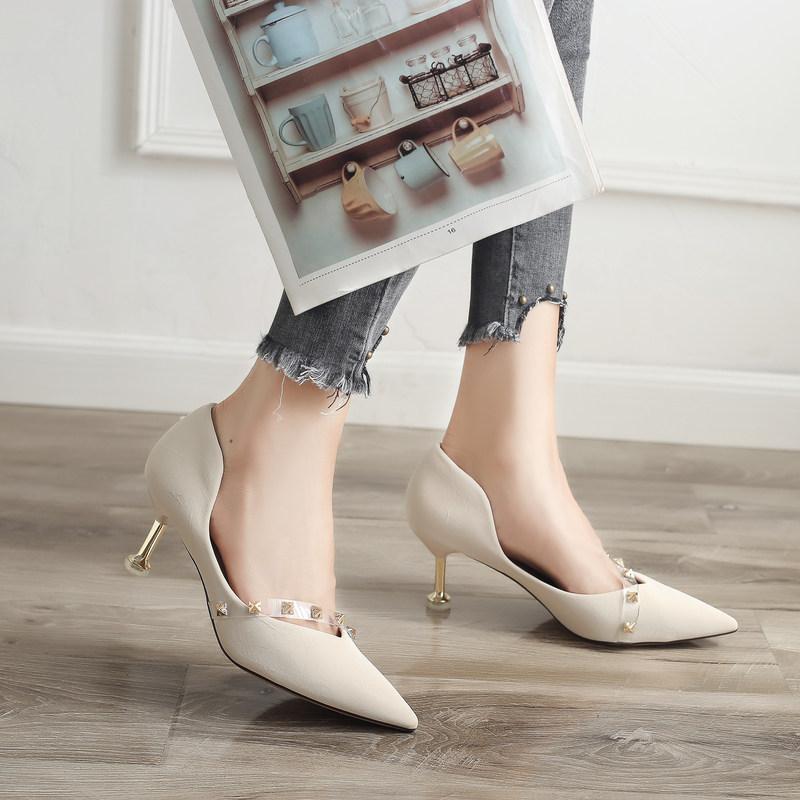 2019夏季新款潮女单鞋纯色铆钉欧风百搭中跟单鞋尖头细跟时尚潮流