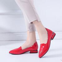 英伦红色尖头小皮鞋平跟2019年春秋季新款百搭平底浅口休闲单鞋女