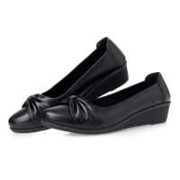 妈妈鞋单鞋软底舒适浅口皮鞋2019新款女式春季中跟中老年女鞋