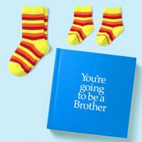 英文原版 你要当哥哥了 礼品书 送两双袜子 二胎家庭 新生儿礼物 YGTBRO You're Going to be
