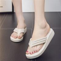 夏季人字拖女士厚底中跟坡跟凉拖鞋女韩版外穿平底夹脚沙滩鞋