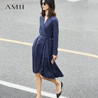 Amii极简V领宽松A字型系带连衣裙春装时尚大码