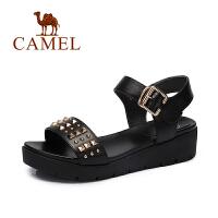 Camel/骆驼女鞋 春夏新品休闲轻便女鞋潮厚底铆钉凉鞋