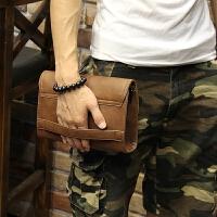 定型皮新款韩版男士手包休闲手拿包软皮手抓包夹包 咖啡色