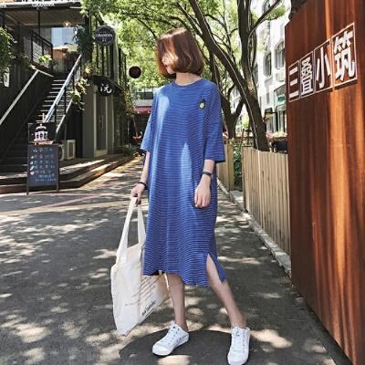 孕妇夏装连衣裙2018新款韩版大码孕妇装T恤长款短袖条纹夏季长裙 蓝色 发货周期:一般在付款后2-90天左右发货,具体发货时间请以与客服协商的时间为准