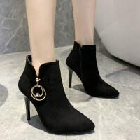 冬季2019新款潮女短筒女靴子欧式潮流吊环水钻高跟女靴子性感百搭 黑色