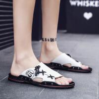 夏季时尚皮拖鞋男潮流韩版室外穿沙滩鞋男士凉鞋2019夏季新款个性一字拖男