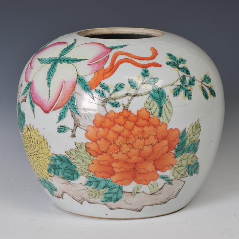 清光绪 粉彩寿桃纹罐