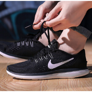 NIKE耐克2018年新款女子WMNS NIKE FLEX  RN跑步鞋898476-001