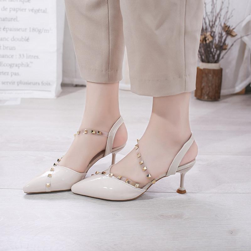 夏季女潮2019新款凉鞋时尚欧式软带铆钉中跟凉鞋包头细跟潮流百搭