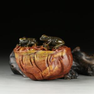 寿山巧色山秀园石 精雕莲藕青蛙摆件 p2519