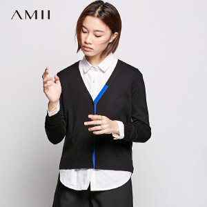 Amii[极简主义] 2018秋新修身V领撞色罗纹休闲毛针织衫