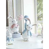 车载汽车装饰品创意摆件生日礼物可爱少女树脂兔子情人节礼物