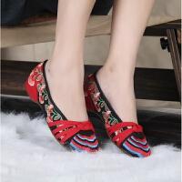 春秋老北京女士绣花布鞋 牛筋底软底女坡跟单鞋 民族风绣花鞋