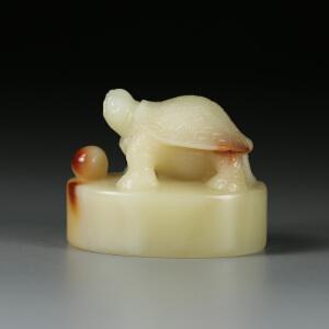 寿山巧色老性三彩芙蓉石 精雕长寿龟钮印章 p1641