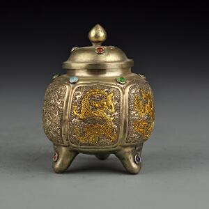 藏银鎏金龙凤罐