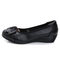 妈妈鞋软底女舒适坡跟单鞋皮鞋子浅口圆头平底中老年女鞋春季