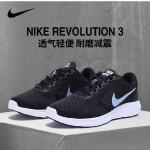 NIKE耐克2018年新款女子网面轻便透气 REVOLUTION 3 运动跑步鞋819303-001