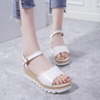 厚底凉鞋女夏坡跟2019新款韩版百搭一字扣露趾中跟时尚少女松糕鞋