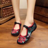 女平底民族风绣花鞋单鞋坡跟大码中老年妈妈广场舞蹈鞋