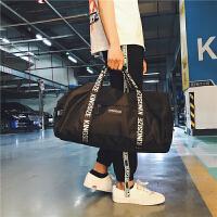 2018新款短途旅行包行李包女手提大容量轻便健身包男单肩斜挎运动包训练包 中