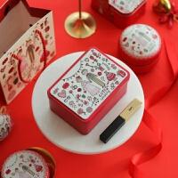 喜糖铁盒子 婚礼红色新人喜糖盒子马口小喜烟喜蛋包装盒回礼盒手挽小 连盖盒 12.3*9*6cm +纸袋